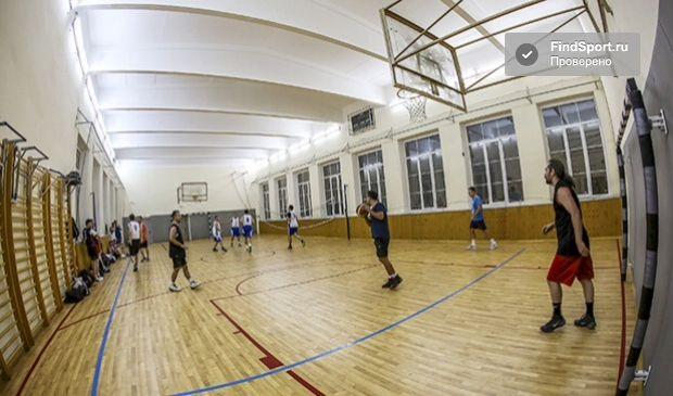 Пример зала с ребристым потолком 1