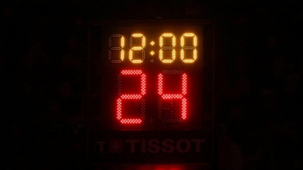 табло с временем в баскетболе